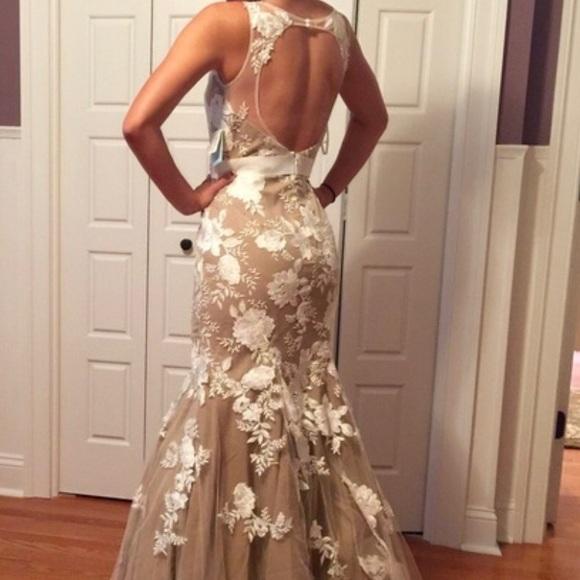Saks Fifth Avenue Dresses Nude Prom Formal Event Wedding Dress